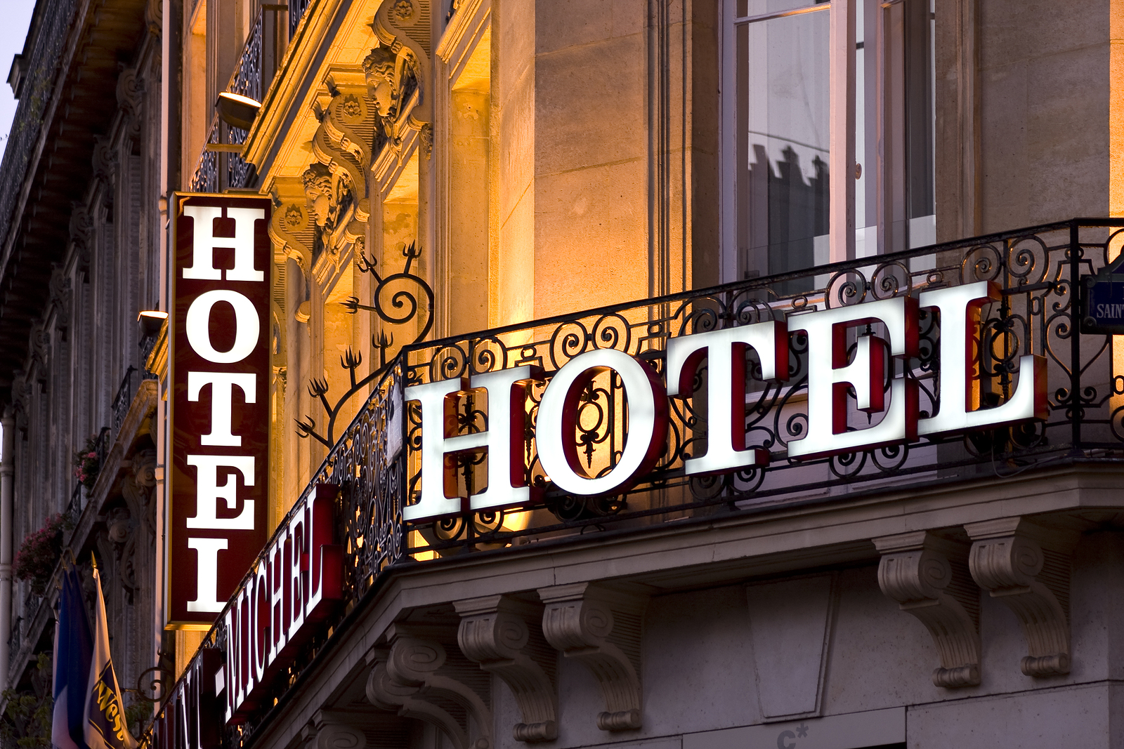 Hotel Sign - Choice Hotels Bed Bug Attorneys