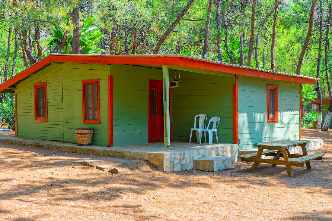 woodsy cabin campground