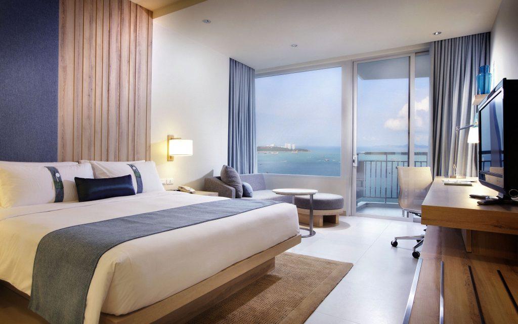 hotel room 14 1024x640 - St. Petersburg, FL Bed Bug Lawyer